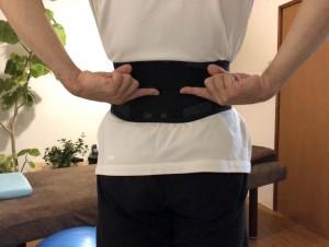 方 巻き 腰 コルセット 腰痛・コルセットの巻き方と使い方(サイズ・場所)